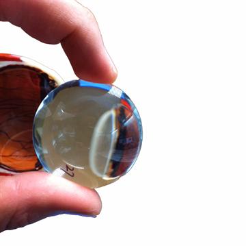 Klassisk øjemodel som er forstørret og kan adskilles i 4 dele